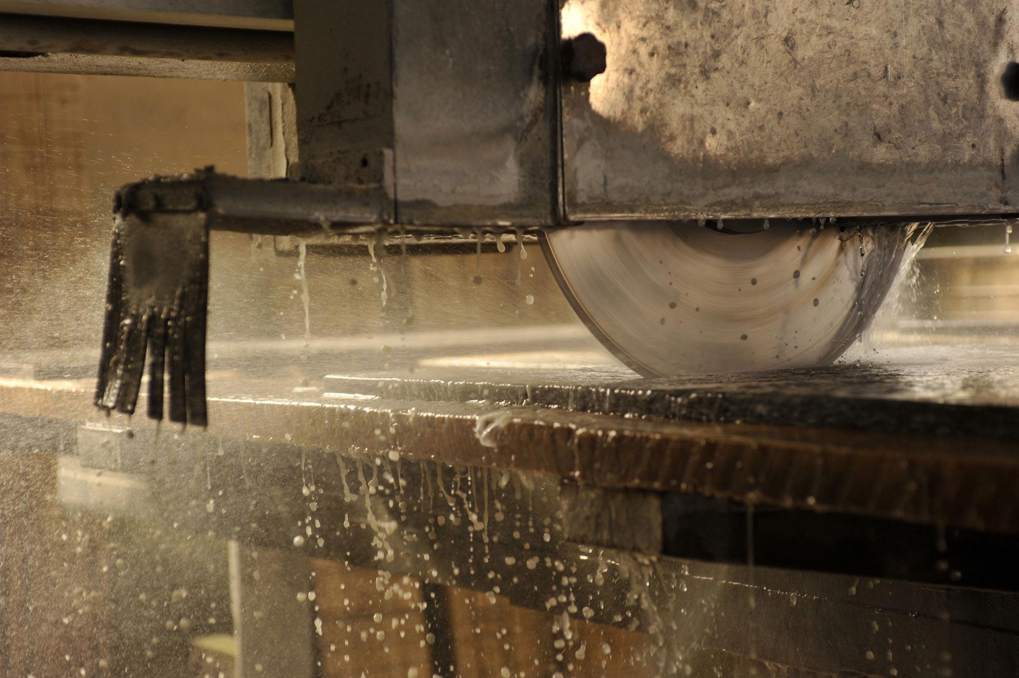 Taglio pietre e lavorazione marmi